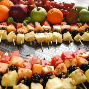 006 - fruit kebabs-min
